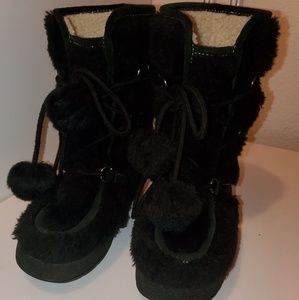 Juicy Couture classic faux fur boots